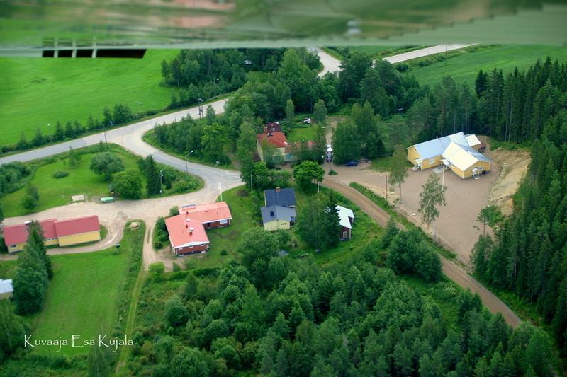 Kovelahden keskus ilmasta käsin (kuva: Esa Kujala)