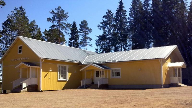Kylätalo Nousula (kuva: Johanna Luotolinna)