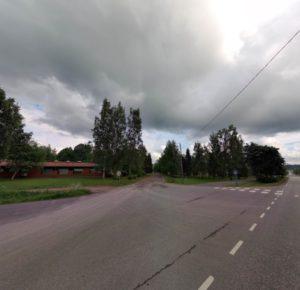 Kuvassa Pilvilinnankadulla sijaitseva risteys